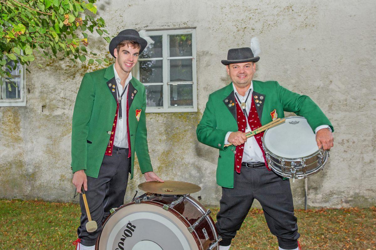 Schlagzeug: Markus Hügele und Alexander Wolf Auf dem Bild fehlend: Steffen Spegel
