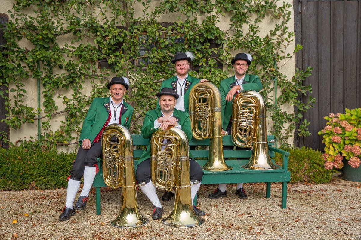 Tuba: Wendelin Raaf, Peter Christ, Lukas Huber und Karlheinz Nagler